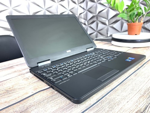 Laptop cũ Dell Latitude E5540-1